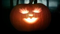 Вырезать тыкву к Хеллоуин за 10 секунд